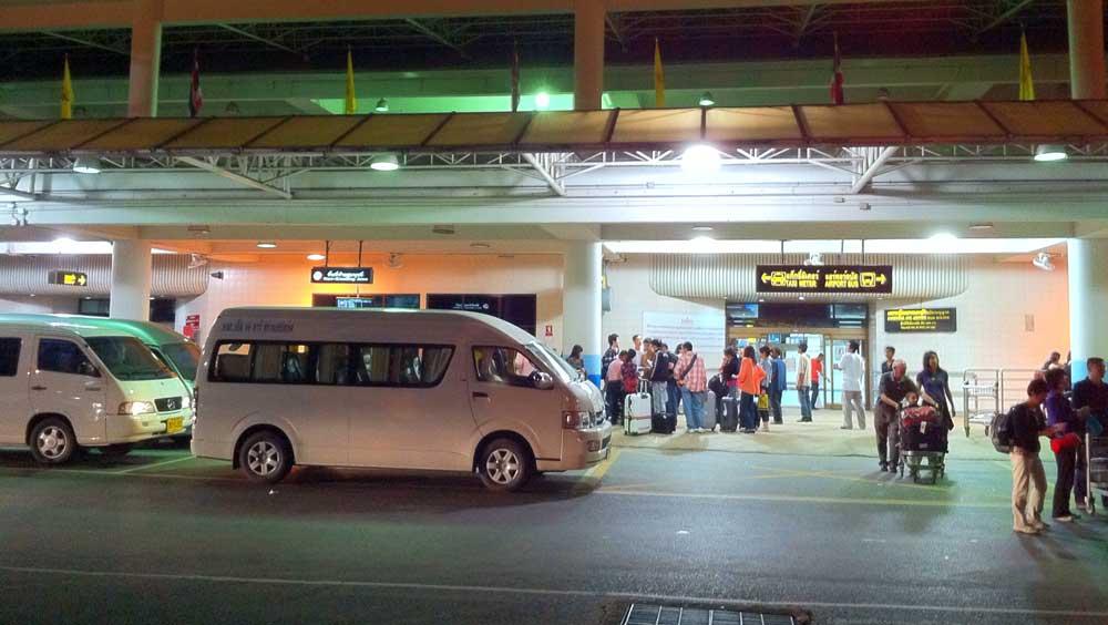 Phuket airport to Khao Lak mini bus transfer