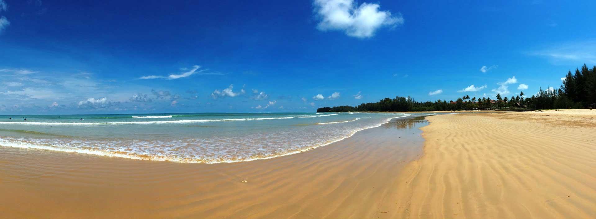 Willkommen am Strand von Khao Lak
