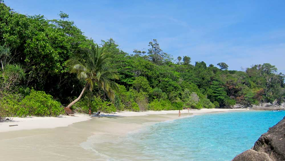 The beach at Similan Island 4