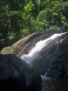 ton pling waterfall khao lak crowded